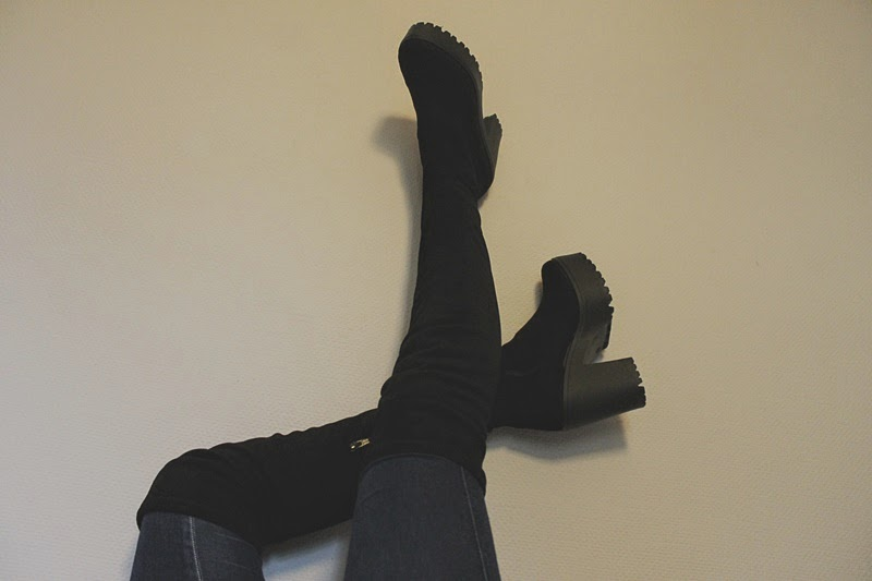over the knee, over the knee boots, boots, asos, new, winter, fashion, ootd, outfit, legs, what i wore today, black, jeans, classic, suede