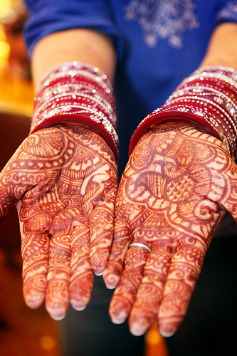 Most commonly used during the Indian wedding Mehndi is thought to bring