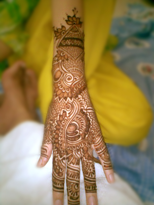 Mehndi Hairstyles Uk : Mehndi styles for brides bridal wedding designs