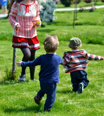 matryoshka doll, pom poms tape, red velvet, ribbons applique, skirt, lace hem,