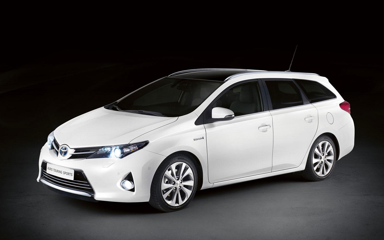 Nancys Car Designs  2013 Toyota Auris Touring Sports