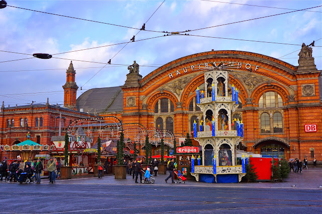 Picture of the central train station in Bremen.