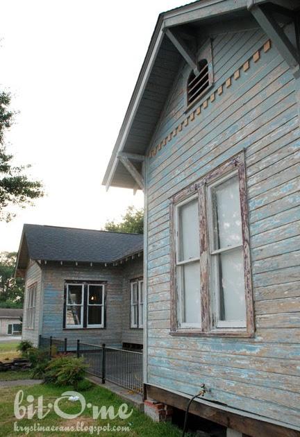 bit o me exterior paint end of day 9. Black Bedroom Furniture Sets. Home Design Ideas