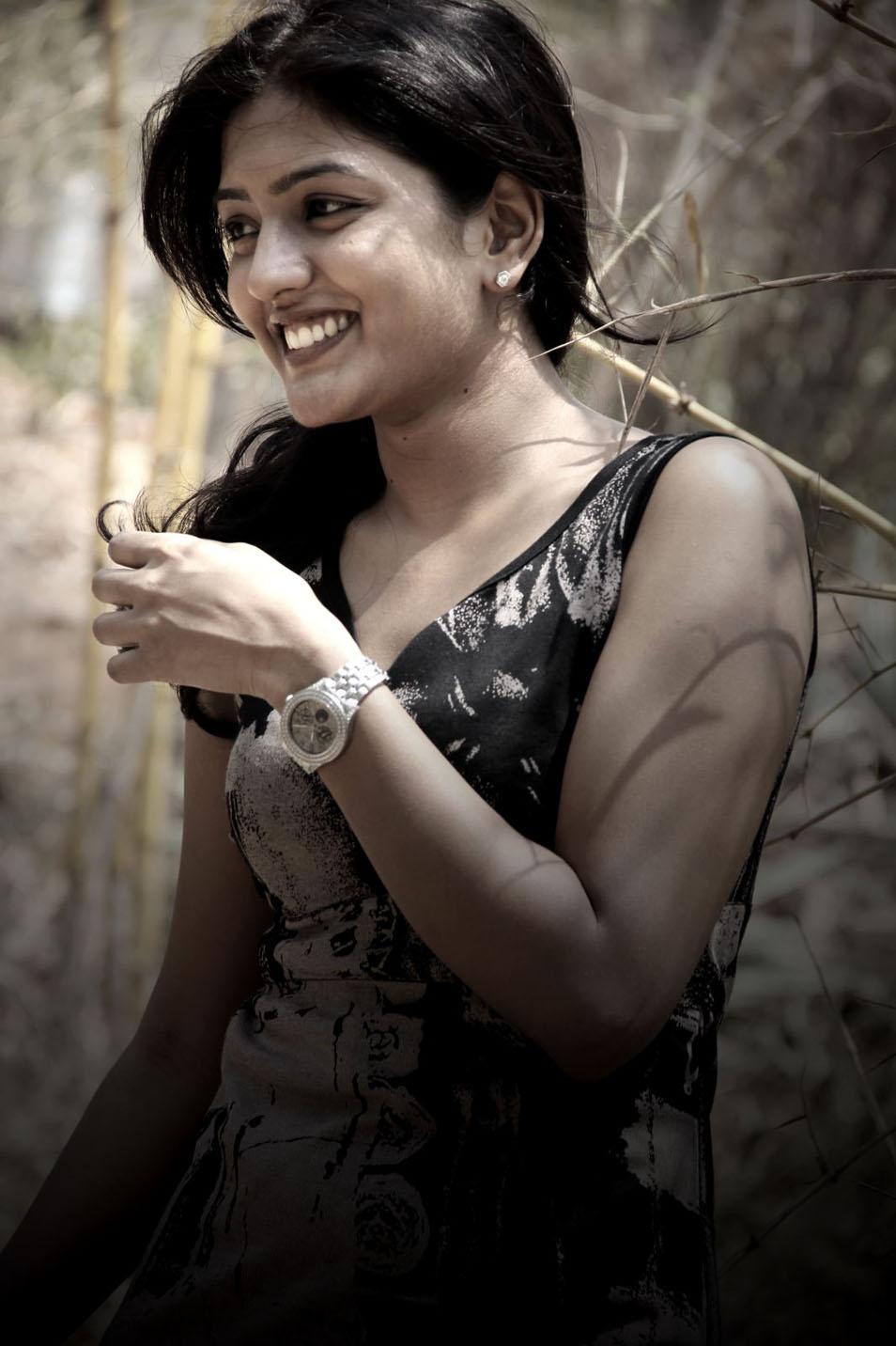 Eesha Hot Photoshoot Stills - NISEWALLPAPERS