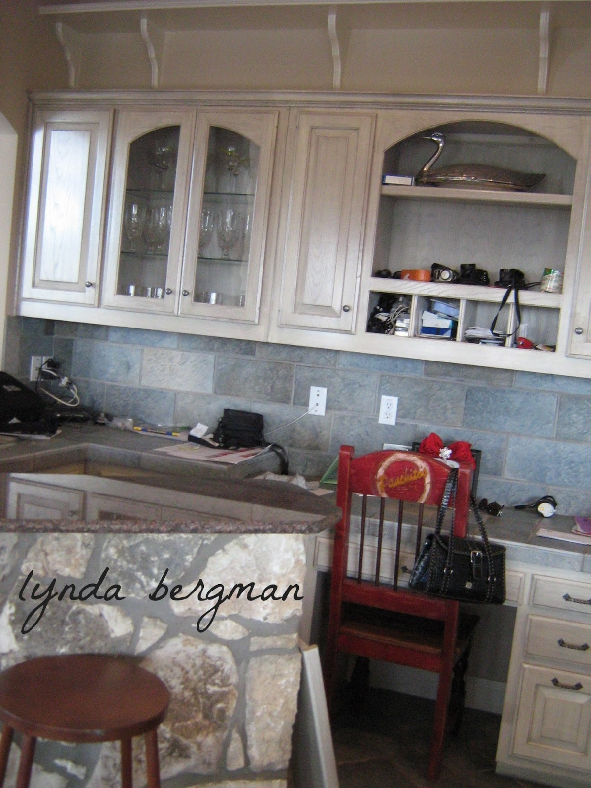 White Stained Kitchen Cabinets with Island