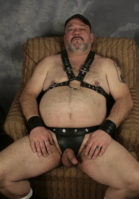 gay mature in private pose
