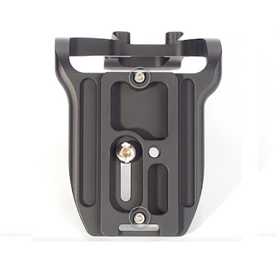 Sunwayfoto PCL-6DG Custom L Bracket base plate bottom-view