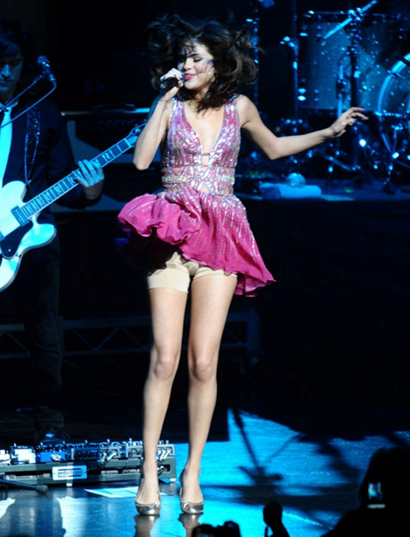 Think, Selena gomez upskirt