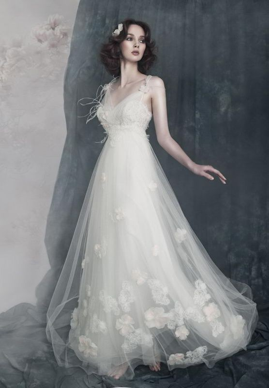 Tulle V-Neck Empire Elegant Wedding Dress