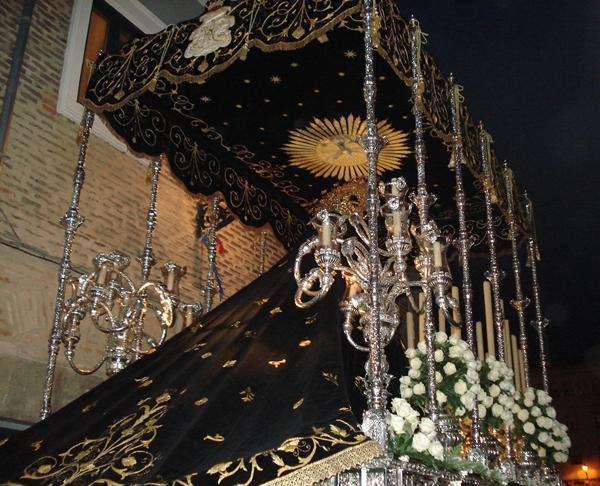 Paso de palio y manto de Nuestra Señora de la Soledad. Cofradía de Nuestra Señora de las Angustias y Soledad. León, 1578.