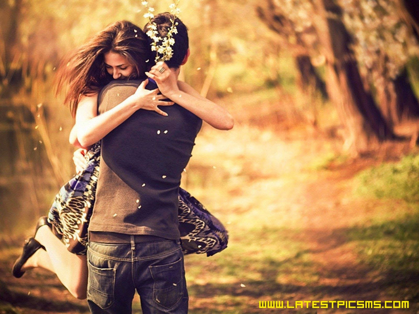 amazing style of hug by romantic couple hd pics