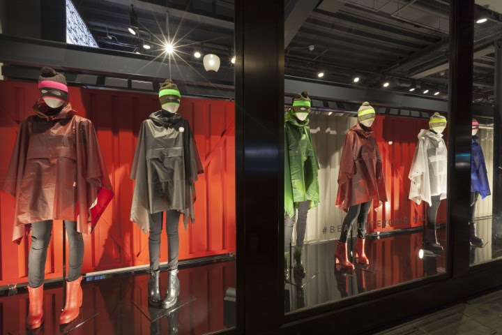 Hunter flagship store, Londres, por Checkland Kindleysides