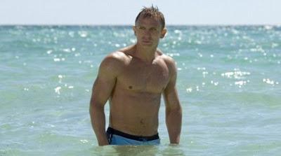 seluar renang James Bond