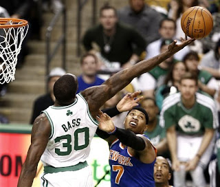 Boston Celtics bow to the New York Knicks, Boston Celtics,New York Knicks, Kevin Garnett, Paul Pierce, Rajon Rondo,
