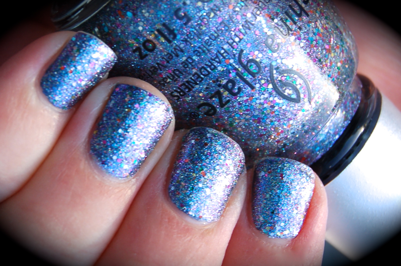 Swatch of China Glaze Liquid Crystal, Prismatic Chroma Glitters collection, bilder, nail polish, blogg nagellack