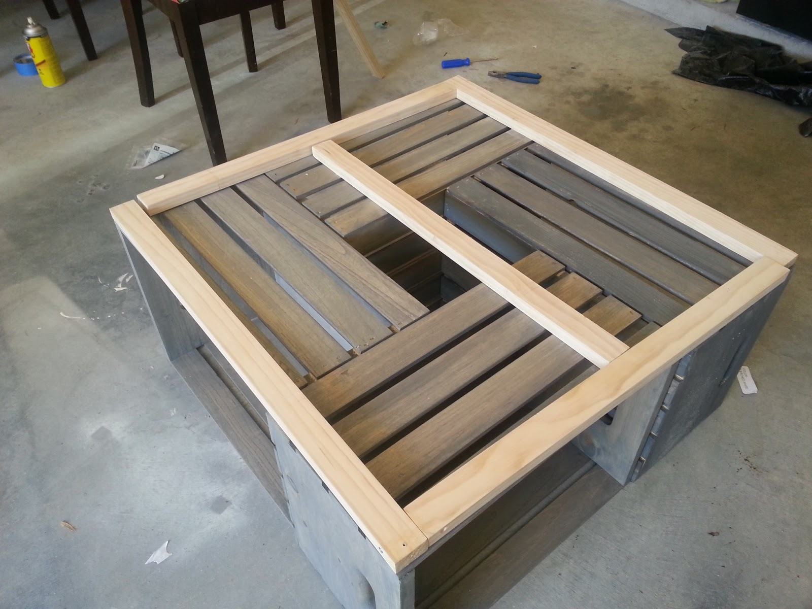 Diy crate coffee table for How to make a coffee table out of crates