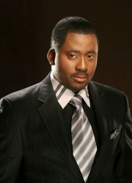 Photos Desmond Elliot Meets With His Supporters at Surulere 1