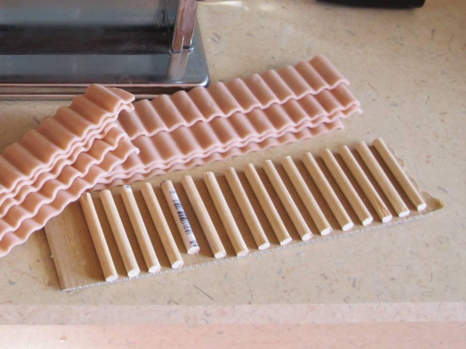 Come costruire piccole tegole per presepi e diorami ~ Il