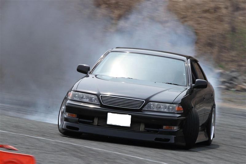 Toyota Mark II X100, 1JZ, JZX100, driftowóz, tuning, RWD, zdjęcia, 日本車, チューニングカー, ドリフト走行, トヨタ マークII, japoński samochód, sedan, sportowy, tylnonapędowy