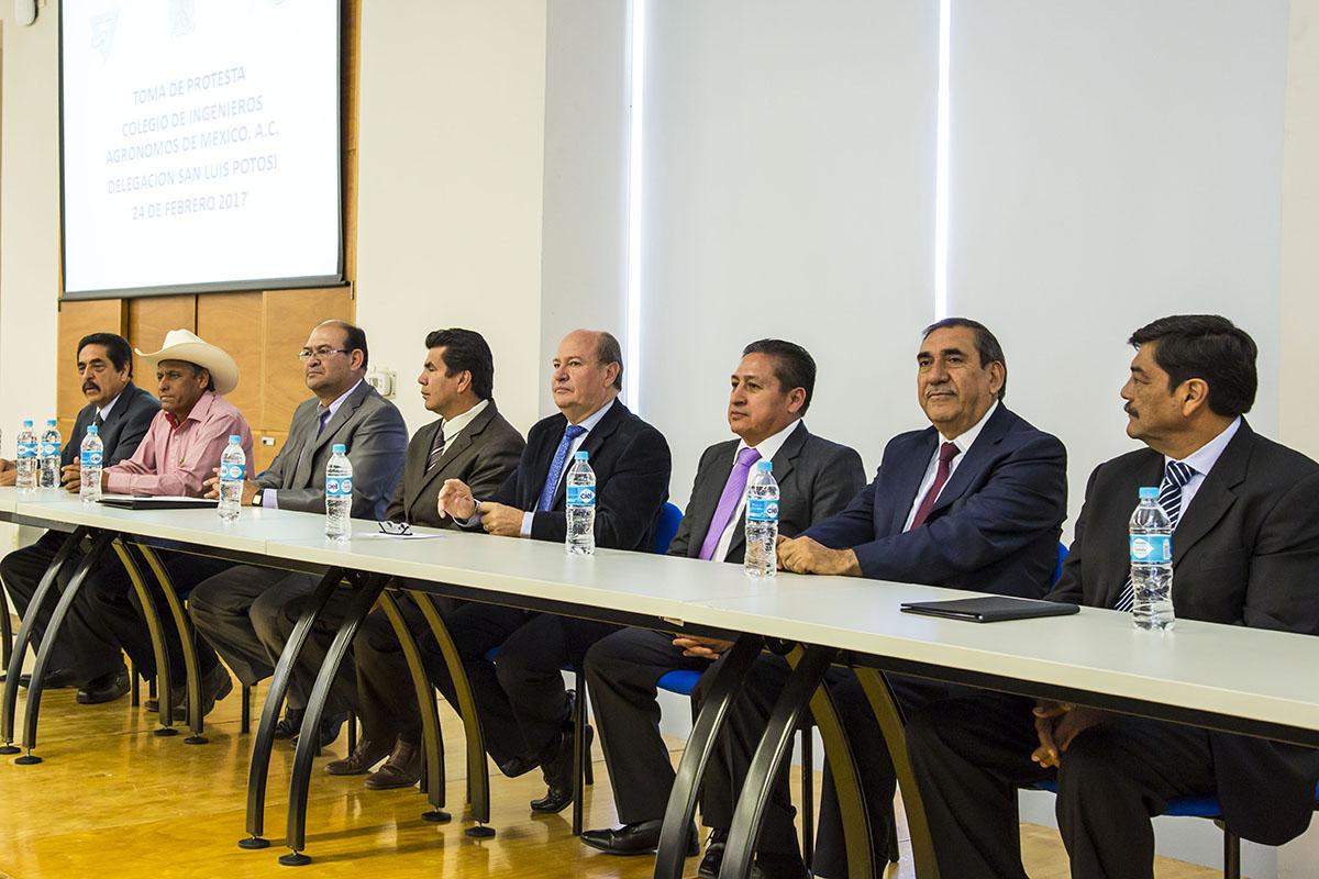 RECTOR UASLP TOMA PROTESTA A MESA DIRECTIVA COLEGIO DE INGENIEROS AGRÓNOMOS