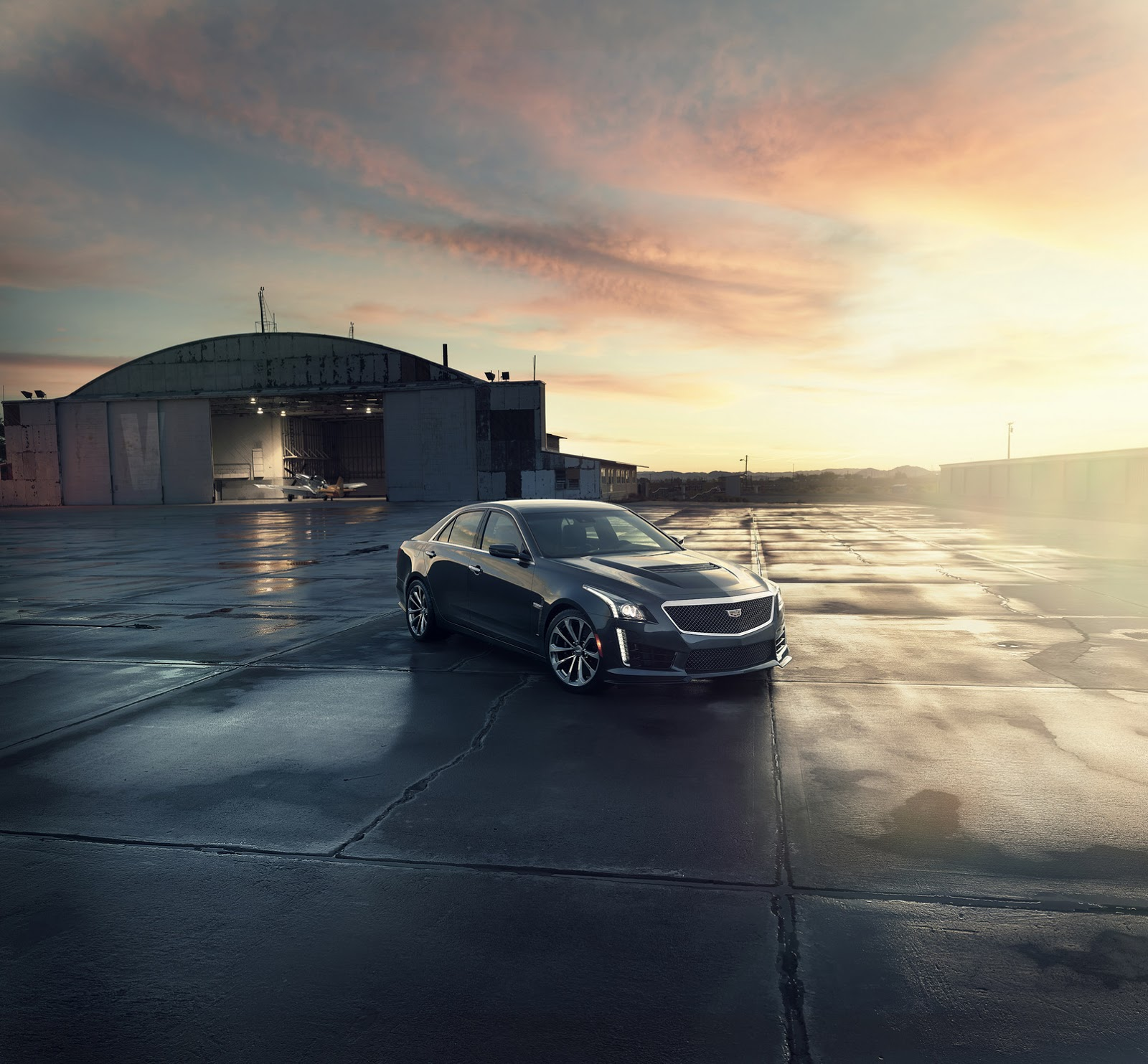 New 2016 Cadillac: New 2016 Cadillac CTS-V Has 640HP Supercharged V8, Reaches 200MPH