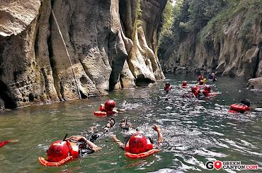 berenang dan body rafting di curug taringgul