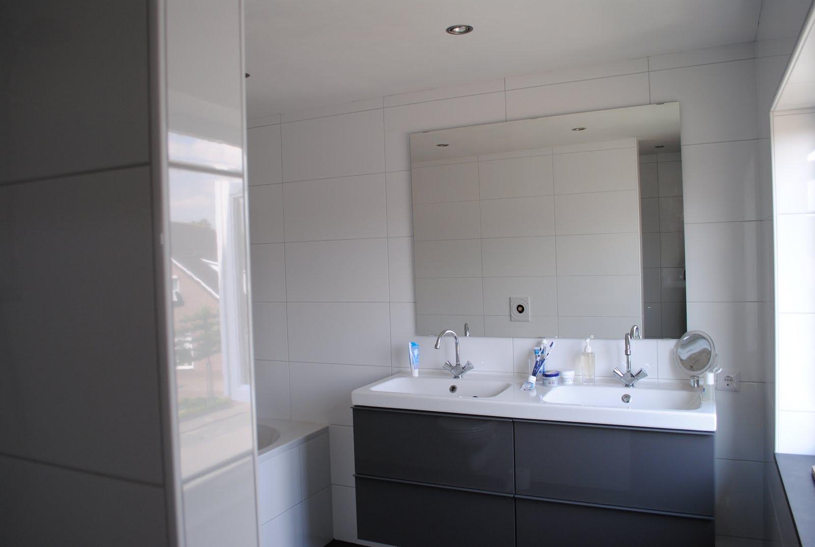 Frollies en frummels badkamer af - Vernieuwing p etite badkamer ...