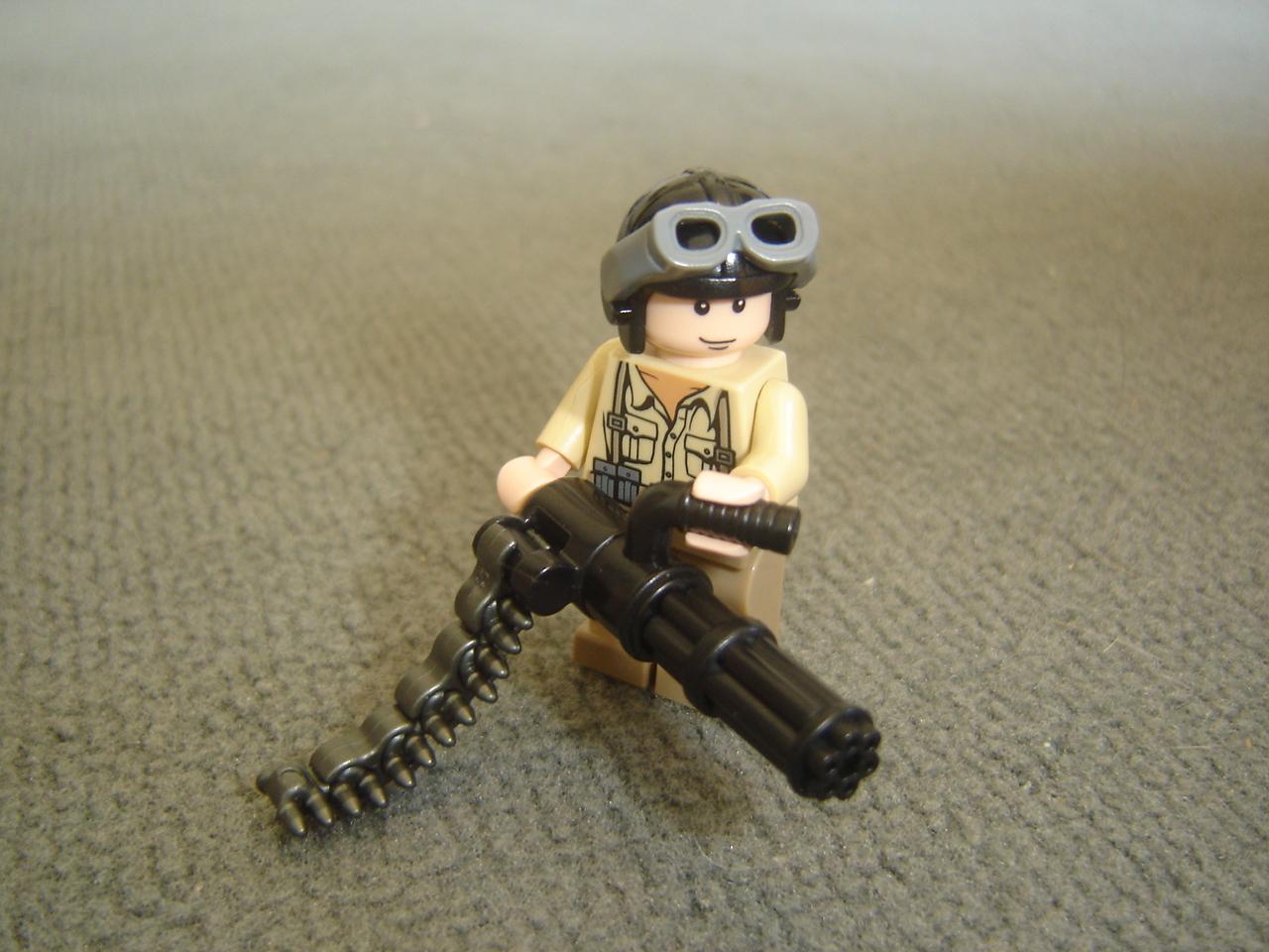 Схемы для сборки LEGO : Тема: Миниган (1/1)