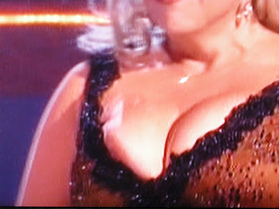 Lynne Dancing with stars boob slip blonde ist