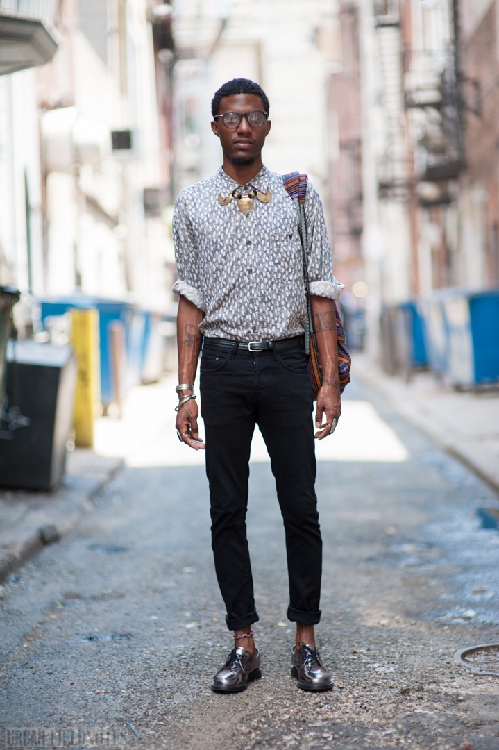 urban fieldnotes philadelphia street style demont in shiny doc martens and indian jewelry. Black Bedroom Furniture Sets. Home Design Ideas