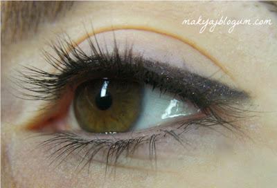 """""""gel eyeliner"""""""