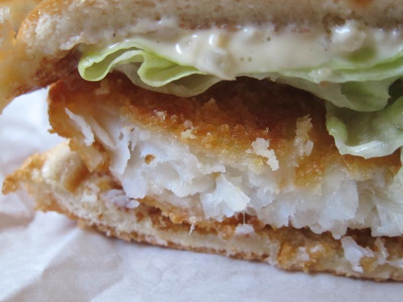 Review wendy 39 s premium fish fillet sandwich brand eating for Fish sandwich calories