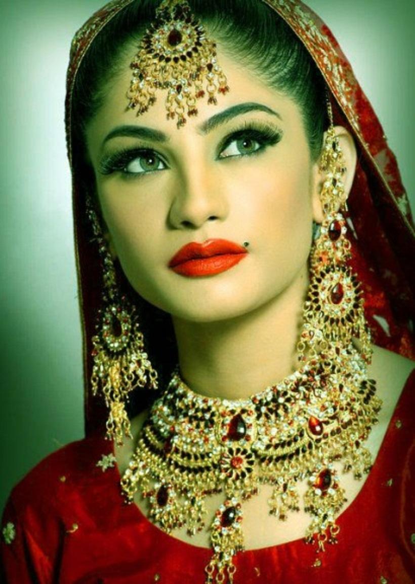 Stani Actress Neelum Muneer Wallpapers Free