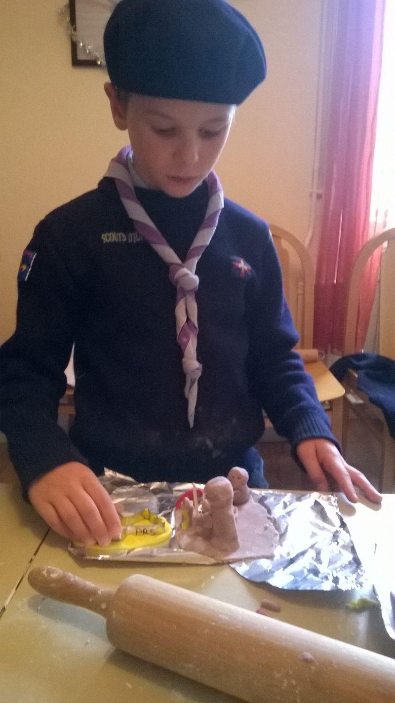 Scouts d'Europe - 1ère Gap: Réalisation de crèches par les louveteaux