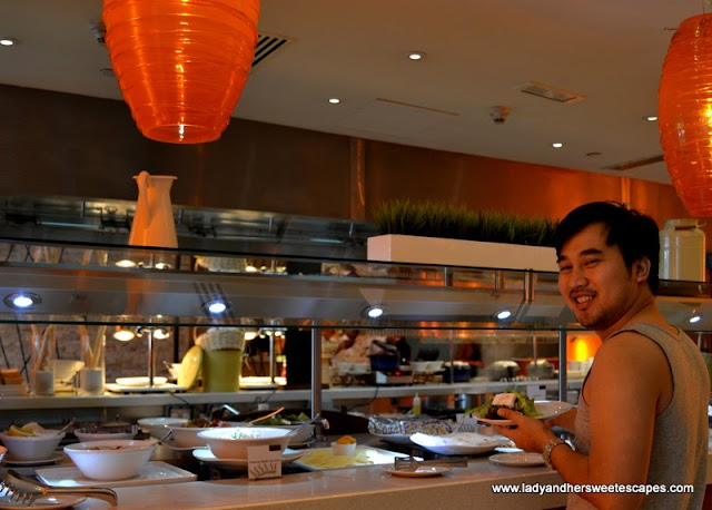 Ed and the breakfast buffet at Choices in Yas Island Rotana