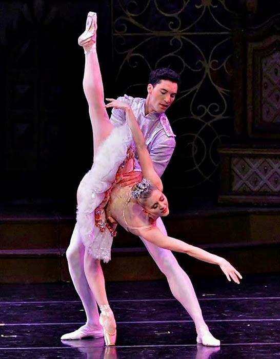 Karla Korbes. Bailarina