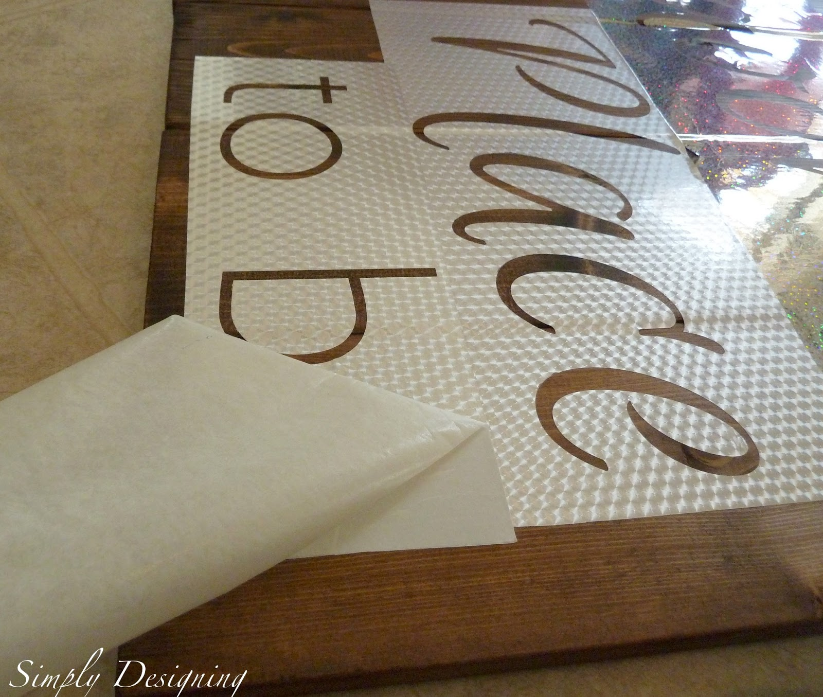 Making DIY signs from pallet wood is