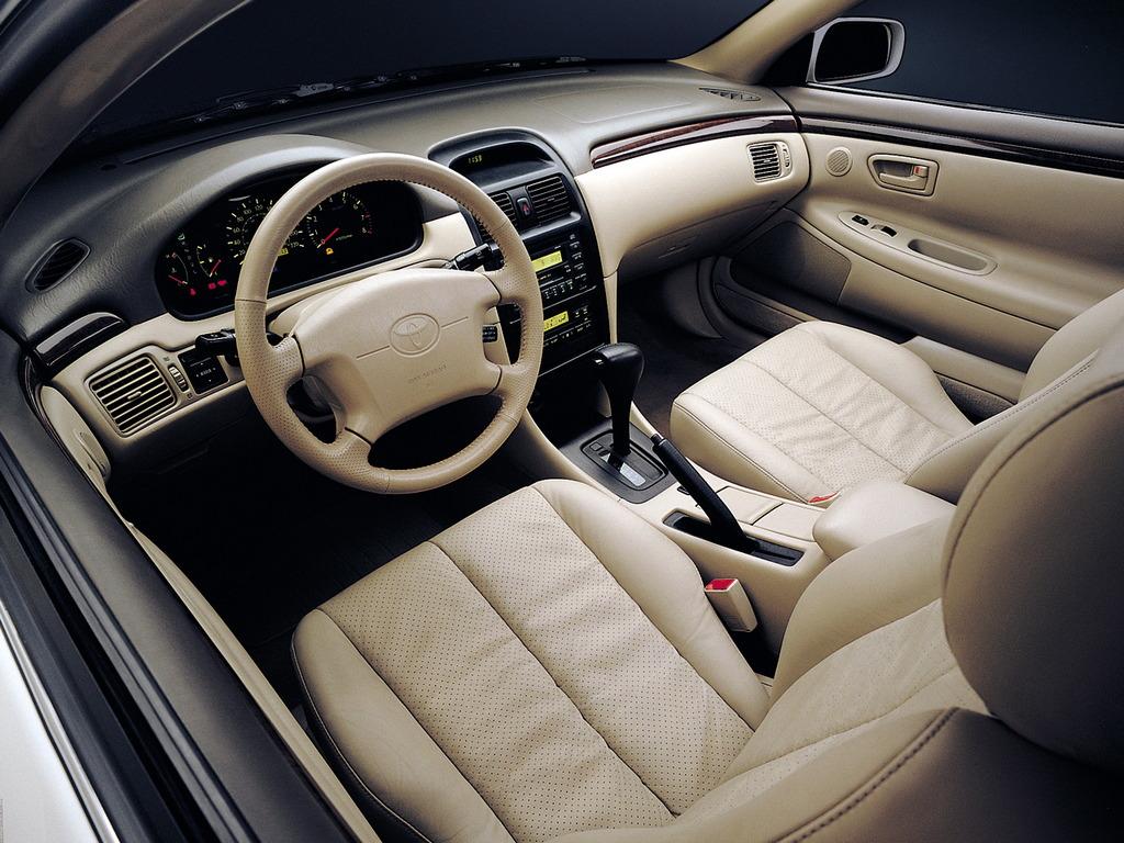 Toyota Camry Solara, japońskie coupe, wnętrze, interior