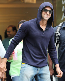 Hrithik Roshan Discharged from Hospital after successful Brain Surgery