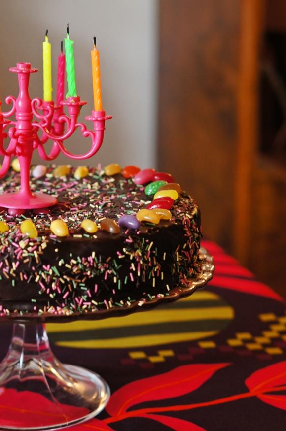 herkullinen suklaakakku Harjavalta