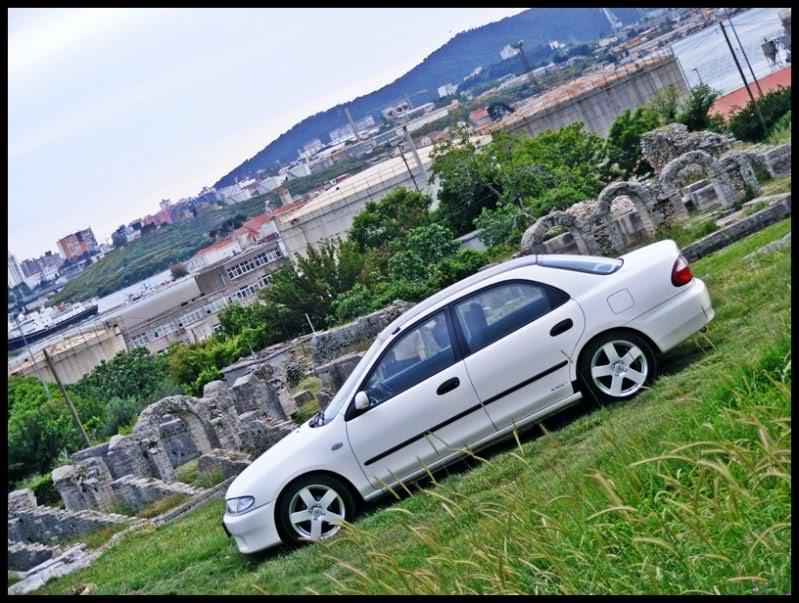 Mazda 323S, sedan, BA, BH, samochód z lat 90, japońkie auto, znany, biały, fotki