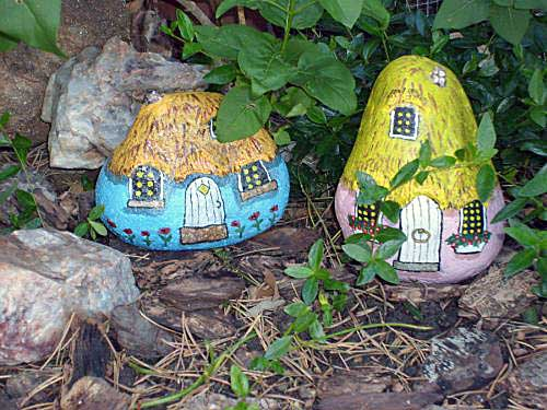 Painting rock stone animals nativity sets more - Painting rocks for garden ...