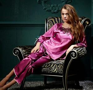 Pijamas Elegantes, Purpura