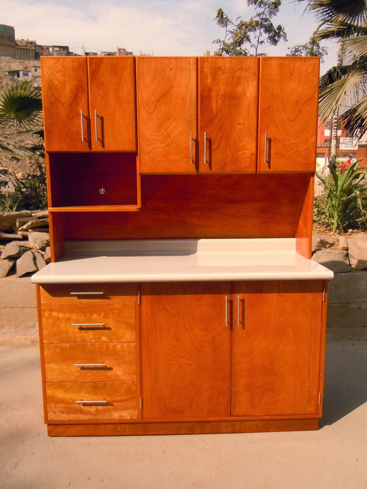 Reposteros de madera independiente y empotrado for Tornillos para muebles
