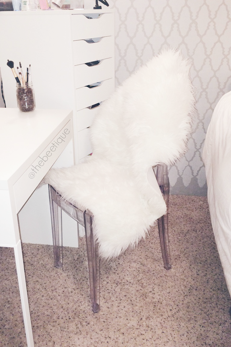 Acrylic Chair With Fur clear acrylic dining chairs kitchen chairs ...