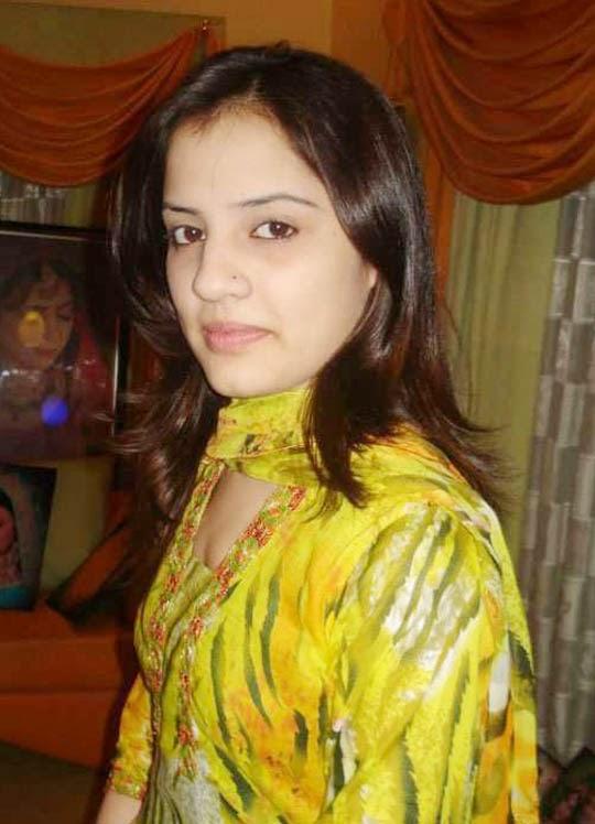 Super Hot Pakistani Aunty