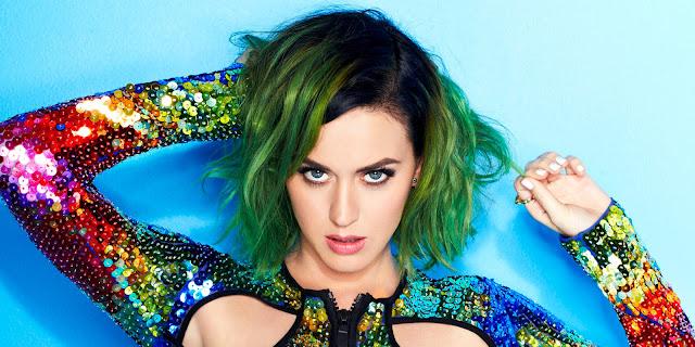 """Katy Perry dejó su marca en la """"Hand Print Ceremony""""."""