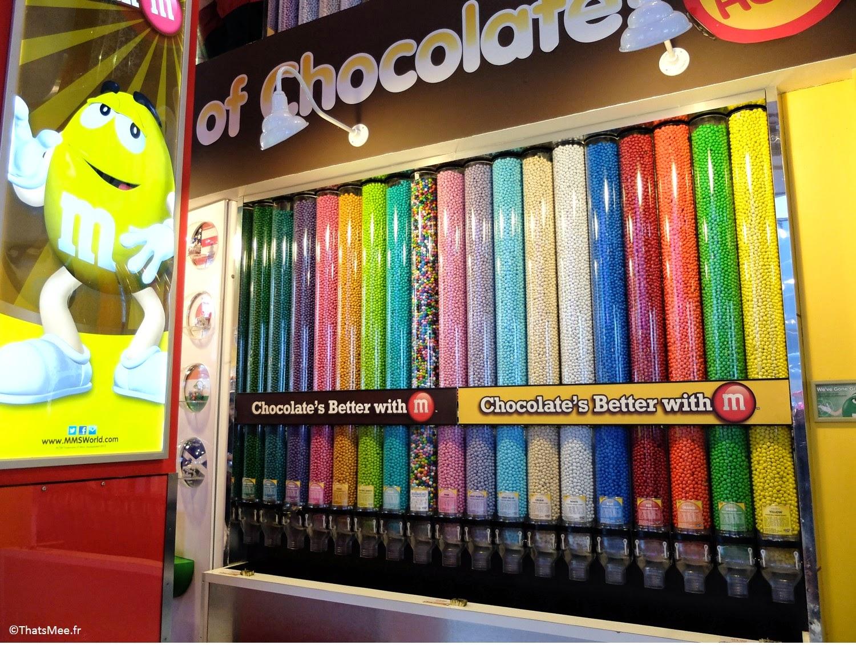 M&Ms Store, NY Times Square, distributeurs m&ms cacauhètes multicolores rainbow