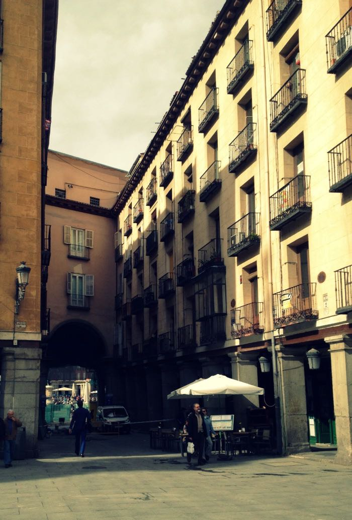 Experiencia Eric Vökel Atocha - Acceso Plaza Mayor Madrid