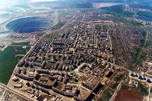 bekas lombong berlian terbesar dunia